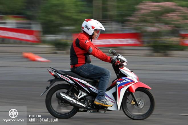 Hình ảnh Honda Blade 125 Fi