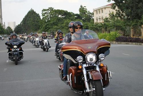 Harley-Davidson khủng trong đêm hội Harley Night – Born To Ride