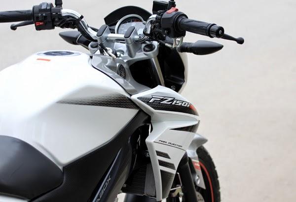 """Yamaha FZ 150i , một """"tia chớp"""" trên đường phố"""