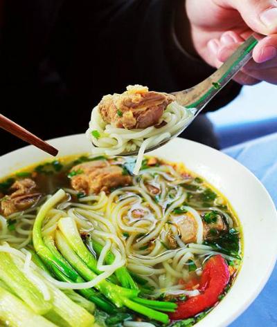 Danh sách quán bún ngon giá chỉ 25.000 đồng ở Hà Nội