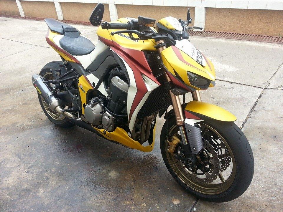 Kawasaki Z1000 2014 độ đơn giản với một phong cách lạ mắt