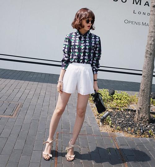 Muôn kiểu quần sooc không thể ngắn hơn của phái đẹp