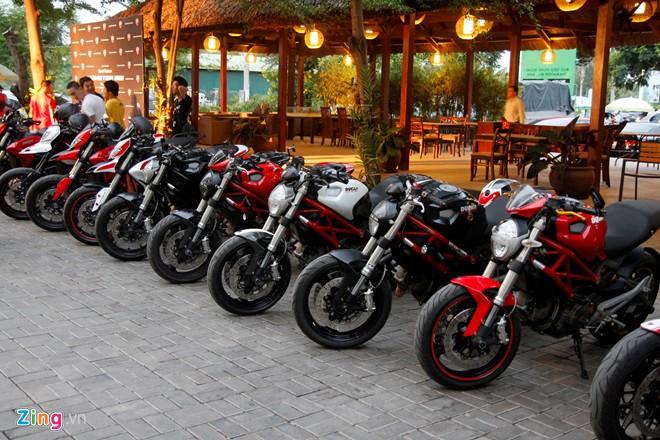 Ngắm dàn xế Ducati khủng tụ họp về Sài Thành