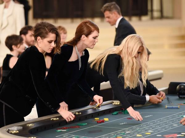 1001 chiêu trò của Chanel khiến giới mộ điệu ồ lên thích thú