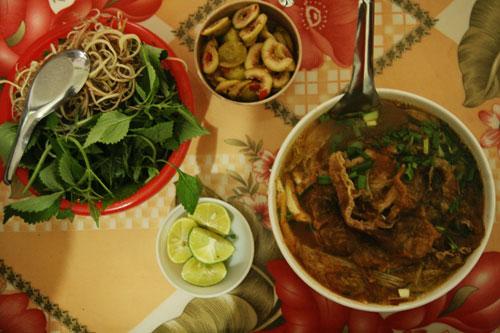 Món bún cá ở phố núi Mộc Châu giòn, dai hương vị khó quên