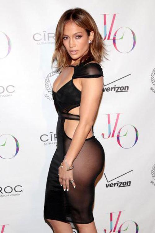 NTK gốc Việt thiết kế váy của Jennifer Lopez độc đáo