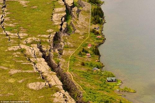Vẻ đẹp kỳ vĩ nơi Âu và Mỹ giao nhau tại Iceland