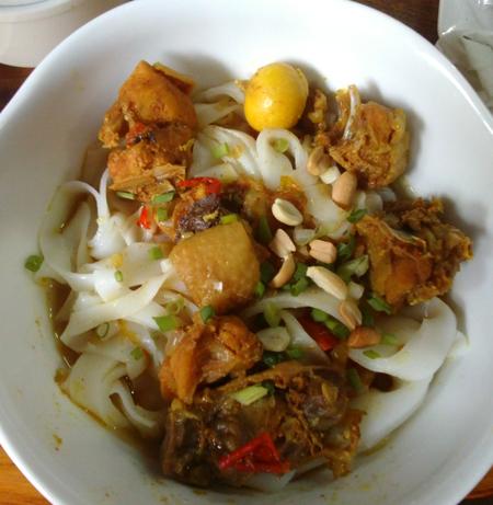 Thưởng thức món mì Quảng đúng vị ở Hà Nội