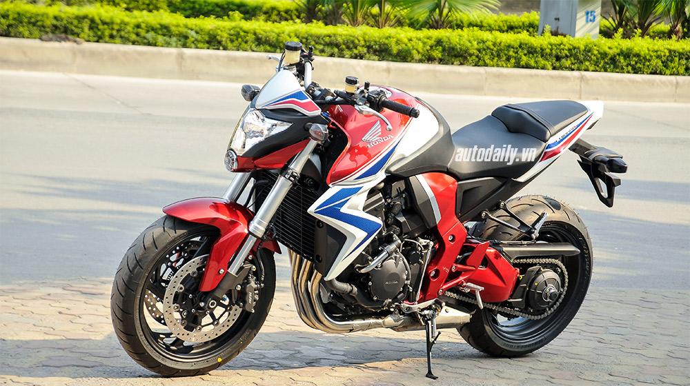 Cận cảnh Honda CB1000R ABS 2015 giá hơn 400 triệu tại Hà Nội