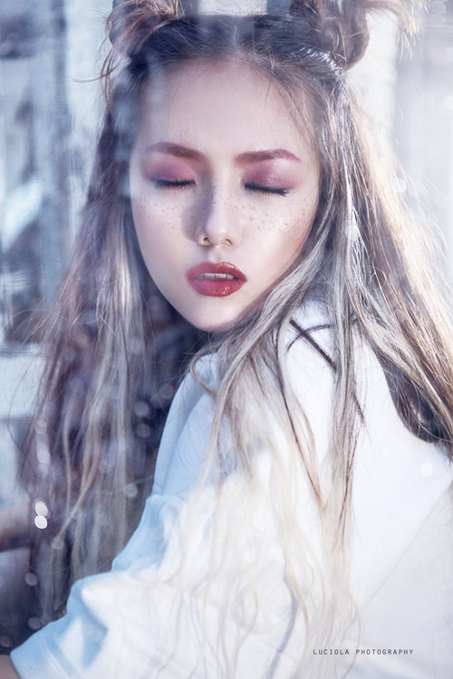 """Em gái Phương Linh hóa """"nữ hoàng bóng tối"""""""
