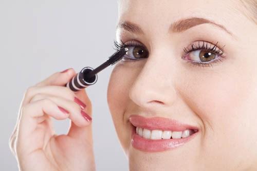 10 cây mascara rẻ tiền chuyên gia trang điểm nào cũng sở hữu