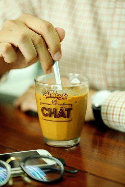 Cà phê nơi góc quán thời gian