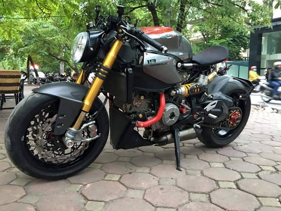 Ducati 1199 Panigale S độ kịch độc với phong cách Streetfighter