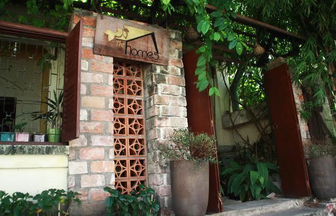 Ngôi nhà cổ thành quán bán trà