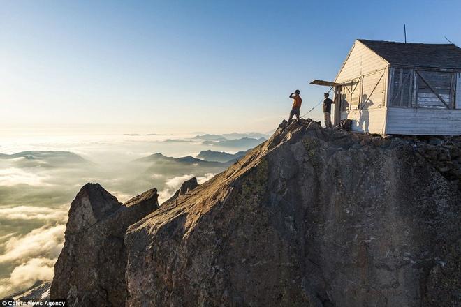 Cùng ngắm mây trên đỉnh núi đá cao hơn 2.000 m