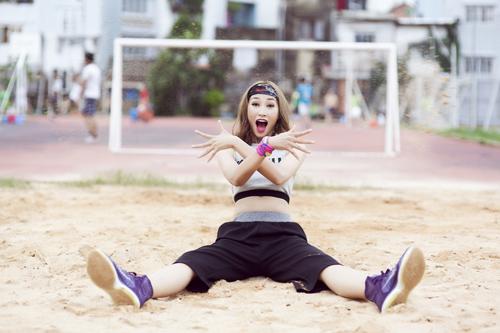 Trang Khiếu nhí nhảnh với phong cách sporty chic