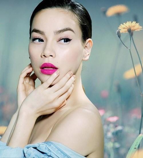 6 đôi môi dày cực gợi cảm của mĩ nhân Việt