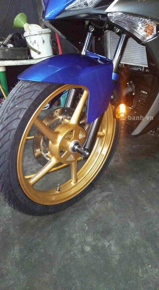 Cận cảnh Yamaha Y15ZR độ mâm Racing Boy chính hãng