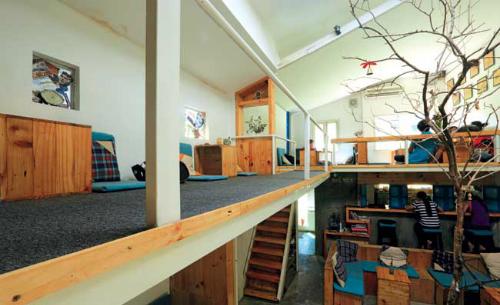 Những quán cà phê có không gian xinh xắn ẩn mình trong ngõ hẻm