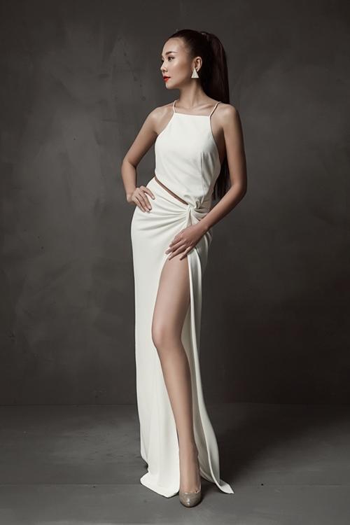 Cặp chân dài 1m12 trứ danh của siêu mẫu Thanh Hằng