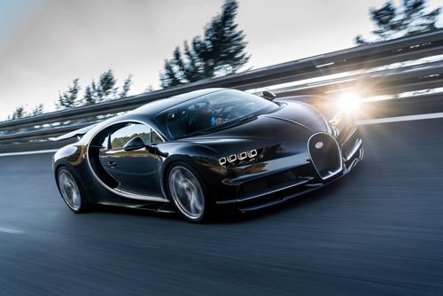 Đế chế tốc độ mới giá 2,6 triệu USD của Bugatti Chiron