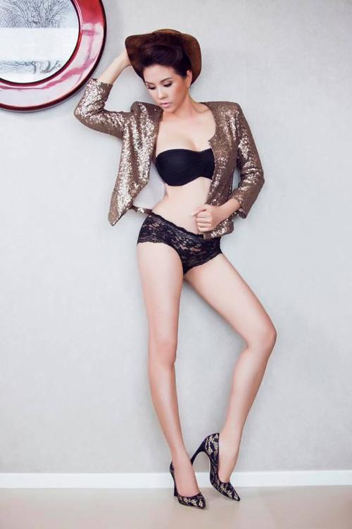 Người đẹp Sài Gòn 40 tuổi giữ dáng sexy nhờ múa cột