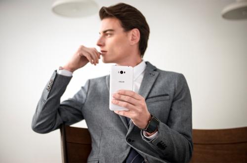 Những lý do nên mua 'quái vật pin' Asus Zenfone Max