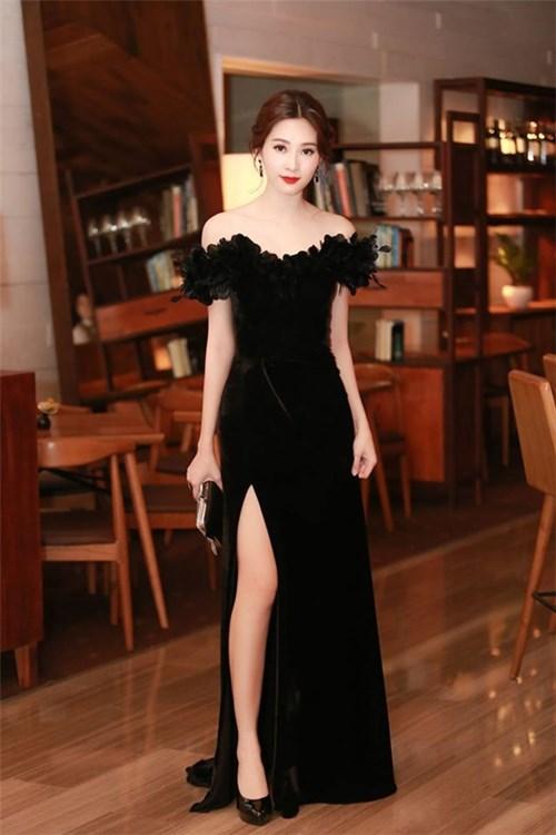 Đặng Thu Thảo mặc váy nhái của Marchesa?