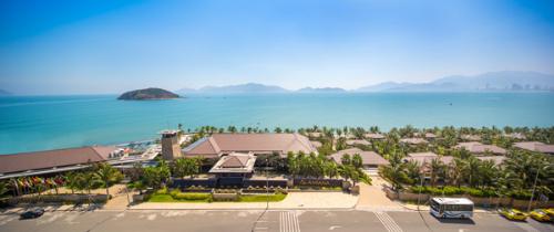 Nha Trang lọt top 3 bãi biển hấp dẫn nhất Việt Nam
