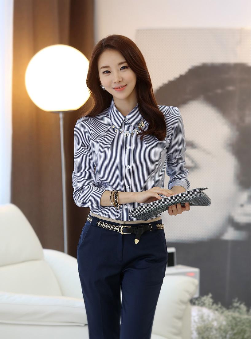 Những mẫu Áo sơ mi nữ công sở đẹp phong cách Hàn Quốc