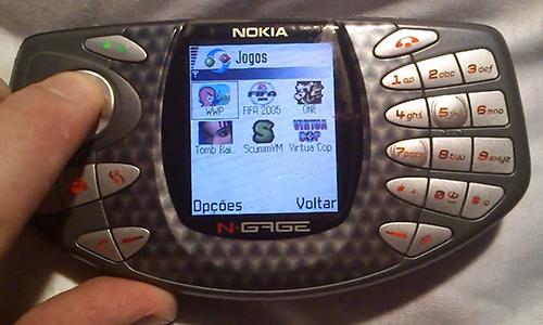 Những mẫu điện thoại có thiết kế độc đáo nhất thế giới
