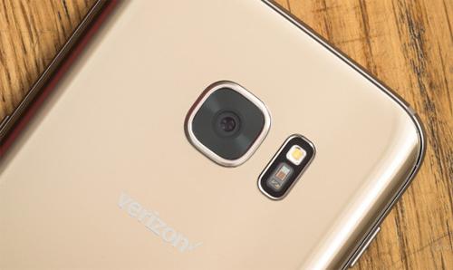 Samsung Galaxy S8 được trang bị camera khẩu độ f/1.4