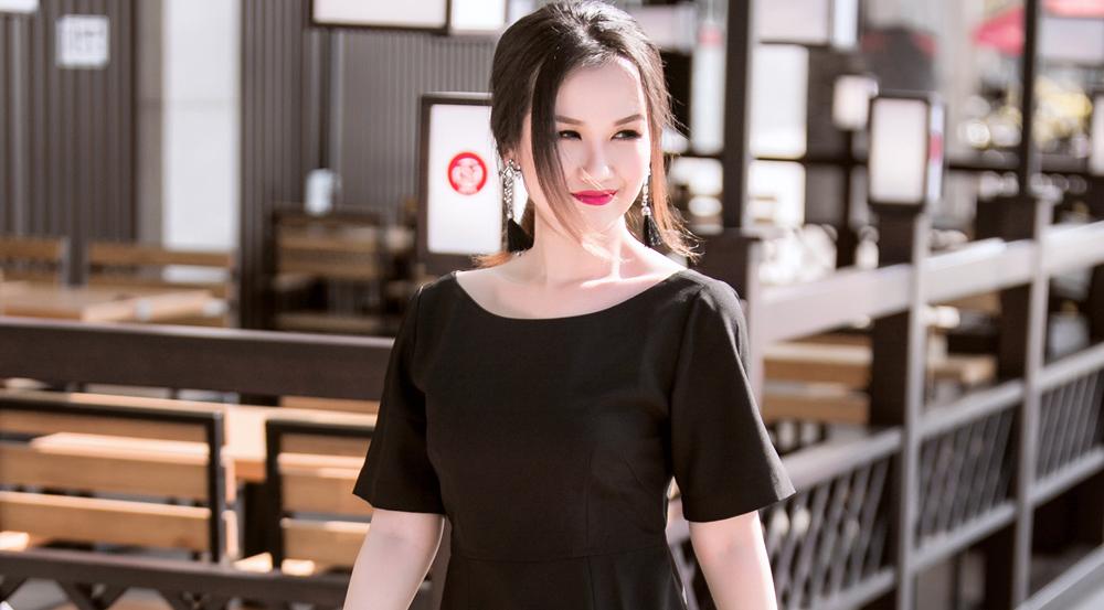 Gợi ý trang phục trắng đen cho nàng 'nấm lùn' của Võ Hạ Trâm