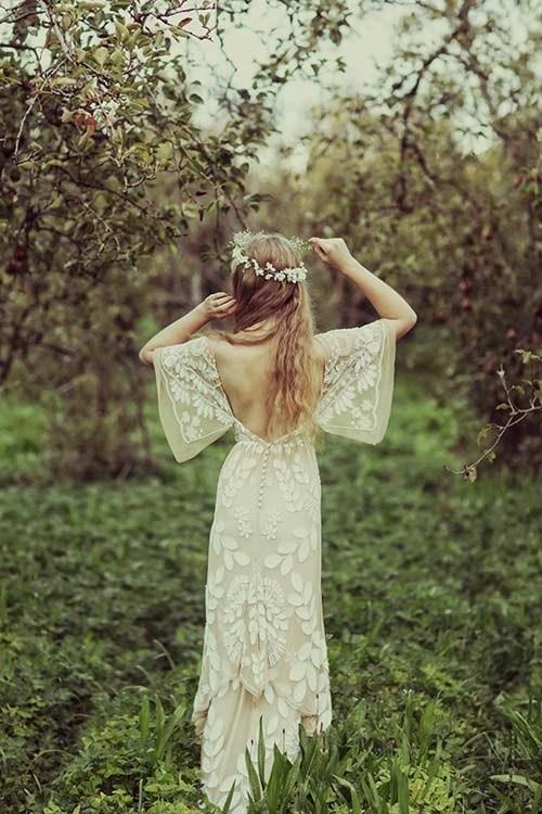 Những mẫu váy cưới mọi cô gái đều ao ước