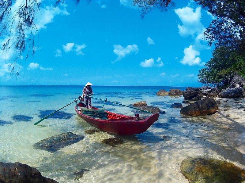 Trốn nóng hè ở 10 hòn đảo siêu đẹp của Việt Nam