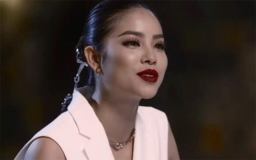 Phạm Hương, Lan Khuê khẩu chiến ngay trên sóng