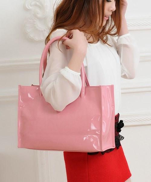 Túi xách nhựa đẹp sành điệu cho các nàng công sở
