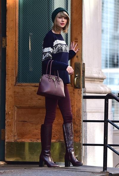 'Choáng' toàn tập với 'thú chơi túi xách' của Taylor Swift