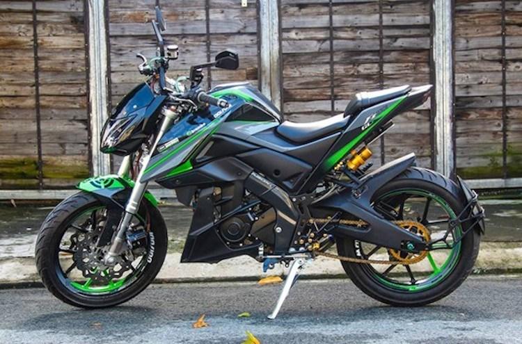 """Yamaha FZ150i """"biến hình"""" naked-bike khủng tại Sài Gòn"""