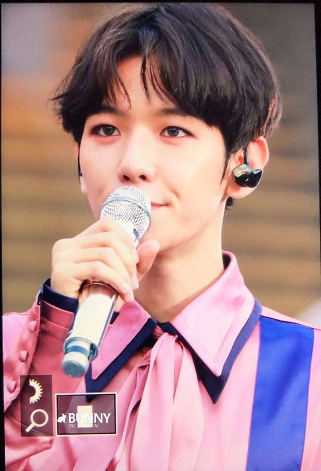 Idol Hàn Quốc quay về tóc đen nguyên bản