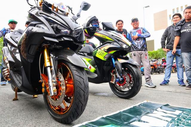 Cặp đôi NVX 155 độ như siêu xe mô tô hầm hố