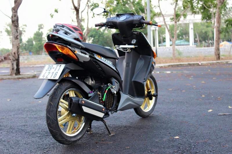 Honda Click độ kiểng đơn giản mà đầy tự tin