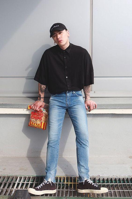 6 Cách phối đồ với quần jean nam tự tin cho mọi dáng người