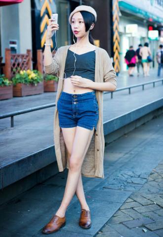 Những kiểu áo cardigan hấp dẫn nhất cho bạn nữ khi giao mùa