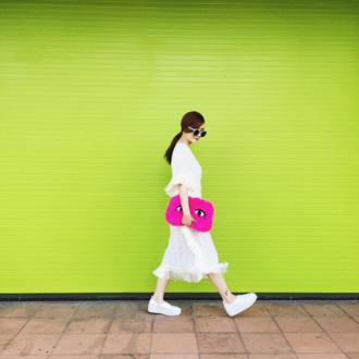 """Những chiếc túi """"chất chơi"""" của chị em Song Yến"""