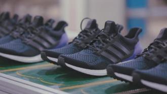 Ultra Boost - giày chạy bộ mới của Adidas