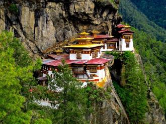 'Hang Hổ' nằm cheo leo trên vách núi ở Bhutan
