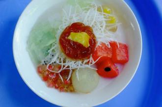 Ba món quà vặt cho giới trẻ ở Hà Nội