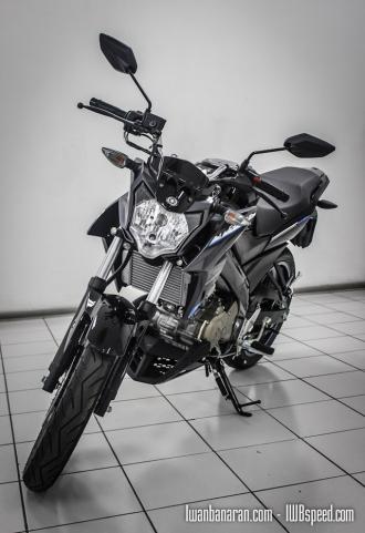 Cận cảnh Yamaha V-ixion 2015 phiên bản thường