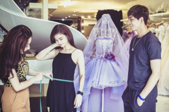 Trương Quỳnh Anh cùng Tim thử đồ cưới diễn thời trang